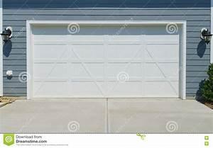 porte de garage de plus porte chambre porte d entree With porte de garage de plus porte de chambre prix