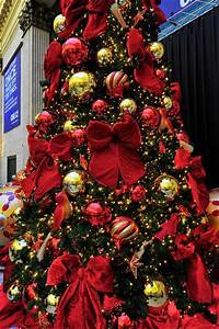 Traditional Red And Gold Christmas Decor Home Interiors