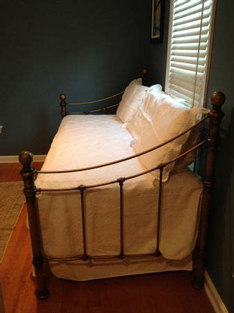 craigslist pottery barn whitney day bed