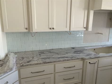 kitchen backsplash with cabinets white kitchen cabinets with slate backsplash quicua com