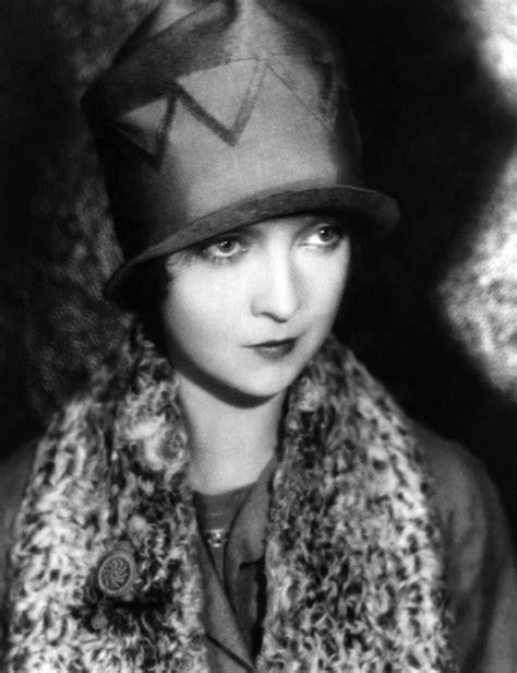 Actress Lillian Gish | danklook™