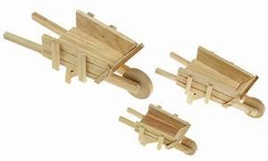 Deko Holz Shop : deko schubkarre aus holz 17 cm natur eur 3 95 miroflor floristik geschenke bastelbedarf ~ Watch28wear.com Haus und Dekorationen
