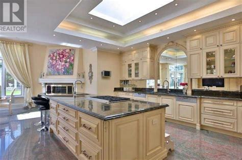 Robert Herjavec?s 33,000 Square Foot Toronto Mega Mansion