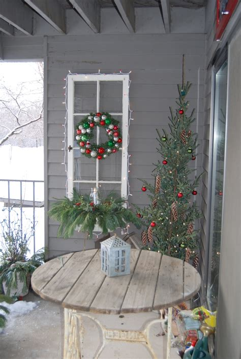 christmas tree at the 203 best outdoor christmas ideas lights images on 6898