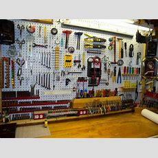 34 Practical And Comfortable Garage Organization Ideas