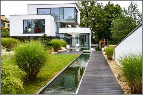 Modernen Garten Anlegen by Garten Hibiskus Auf Dem Balkon Balkon House Und Dekor