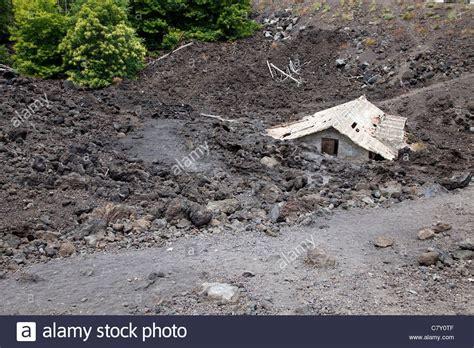 matratzenbezug nähen lassen naturkatastrophen verlassenes haus zerst 246 rt durch die