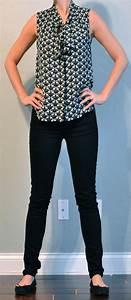 Outfit post tie front sleevless blouse black skinny jeans black flats