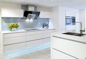 White Gloss Symphony Kitchen : Falkingham Fabrication