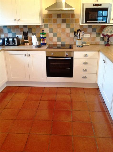 quarry tile kitchen cockermouth quarry tiled kitchen floor after cleaining to 1700