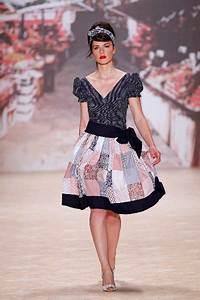 50er Jahre Style : lena hoschek mode der 50er jahre zur fashion week berlin 2011 mit sommermode 2012 ~ Sanjose-hotels-ca.com Haus und Dekorationen