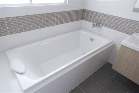 what is the best tub to buy the 8 best drop in bathtubs reviews 2019 buying guide