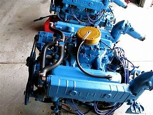 Twin Chrysler 318 Marine Engines   Neptune Marine