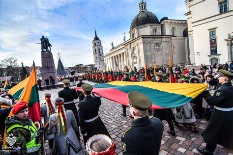 Tradiciškai Sausio 1-ąją bus minima Lietuvos vėliavos ...