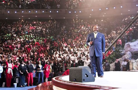 td jakes potters house t d jakes forward with focus and purpose los