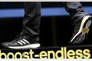 Perkenalkan Boost, Sepatu Lari Teknologi Tinggi Dari Adidas Sepatu Converse Wikipedia Wanita Nike 2018 Batam Reebok Biru Dongker Jadi Kuning Klasik Gucci Original