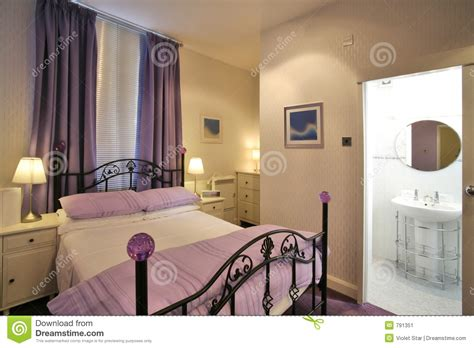 chambre a couchee chambre à coucher moderne image stock image 791351