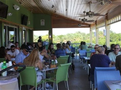 st armands circle daiquiri deck bar is a great place to enjoy a tree top view of the circle