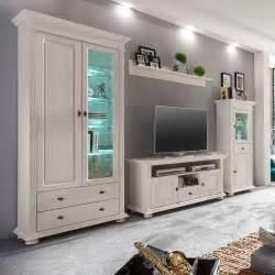 deckenleuchten wohnzimmer landhausstil schrankwand viligreta in weiß im landhausstil wohnen de