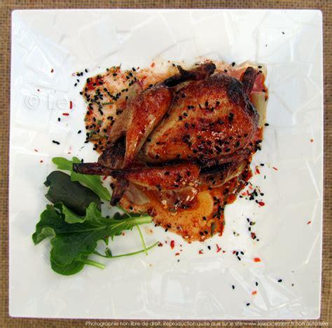 cuisiner cailles cailles rôties au four marinade au miel épices tandoori