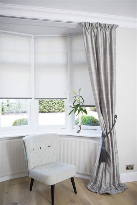 Bay Window Blinds with Curtains