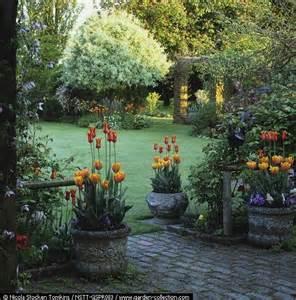 Backyard Garden Retreat