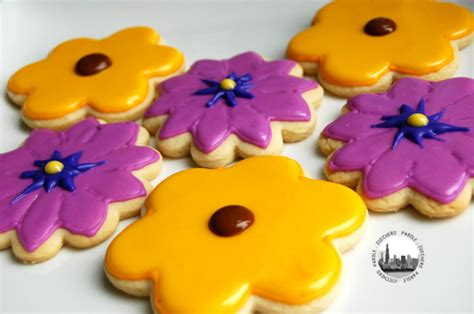 fiori di glassa reale tutorial come decorare i biscotti con glassa reale