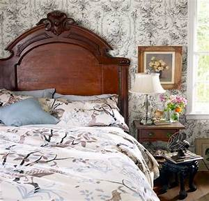 20 charming bedroom decorating ideas in vintage style for Vintage style bedroom furniture
