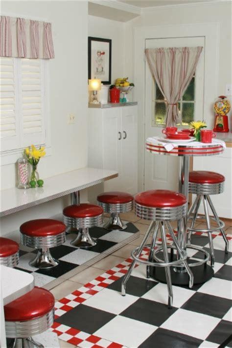 images  retro kitchens  pinterest table  chairs vintage kitchen