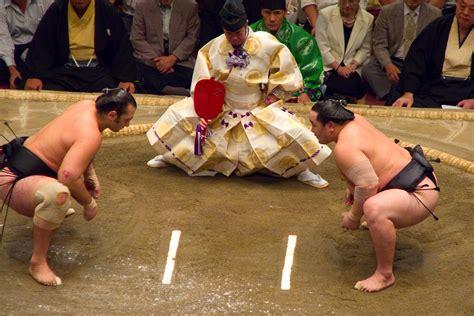Rikishi, the art of Sumo wrestlers - Hoshino Resorts Magazine