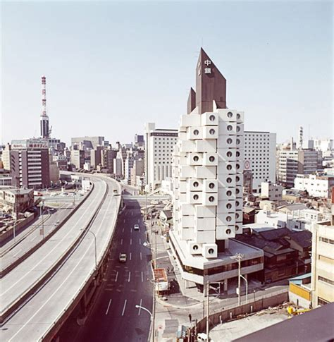 Nakagin Capsule Tower in Tokyo / Kisho Kurokawa ⋆ ArchEyes