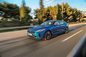 Nouvelle Kia Stinger Prix : prix kia stinger 2018 un nouveau moteur essence pour la stinger l 39 argus ~ Medecine-chirurgie-esthetiques.com Avis de Voitures