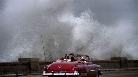 'monstrous' Hurricane Michael Heads Towards Florida
