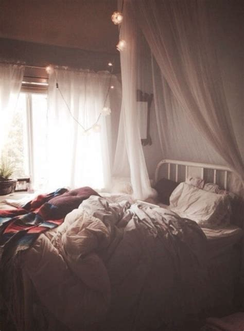 this cozy bedroom ideas for small rooms will make it feel best 25 hipster bedrooms ideas on pinterest bedspreads 556 | a1702e45f6bf0734d5081ba519750099 hipster bedrooms cozy bedroom