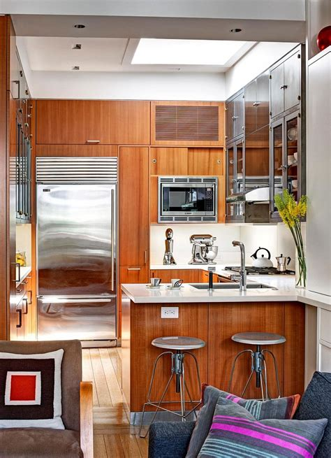 inspired manhattan apartment showcases dashing color