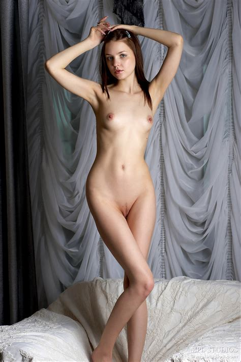 Join The Blue Eyed Girl For Sexy Nude Poses And Enjoy Her