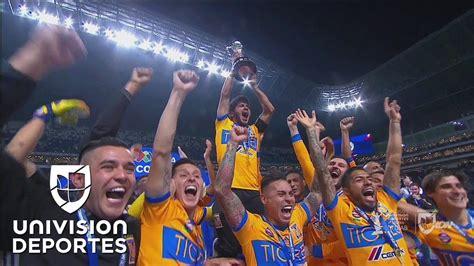 ¡Tigres levanta el trofeo de campeón del Apertura 2017 de ...