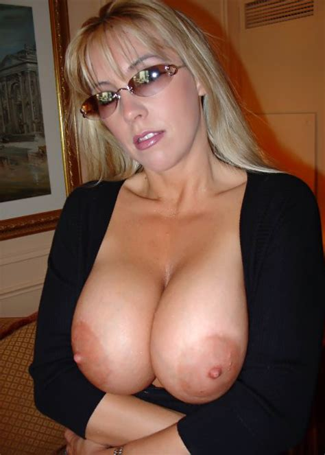 Beaver Hunt Busty Amateur Wife Sonia Exposed