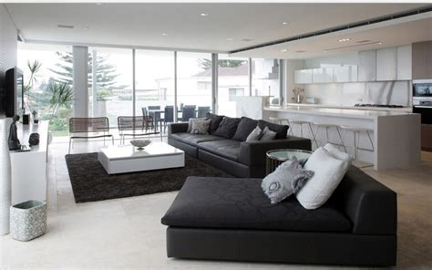 canap home salon 12 superbes décorations de salon avec un canapé noir