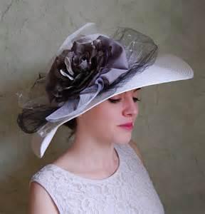 chapeaux de mariage grande capeline pour mariage chapeau de cérémonie ivoire et gris perlé création unique