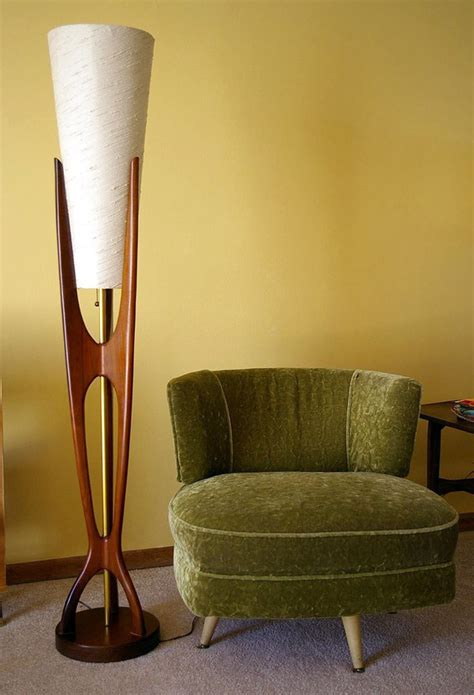 Get A Midcentury Modern Style With Floor Lamps