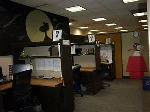 Halloween decorations for office cheap outdoor halloween for Office halloween decoration ideas