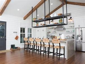Chip And Joanna Gaines To The Rescue  Simple  U0026 39 Fixer Upper