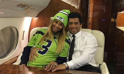 pregnant ciara cuddles    husband  private jet