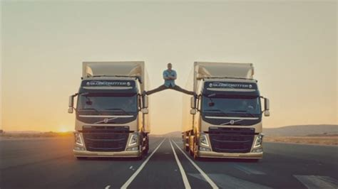 jean claude van damme performs splits   moving