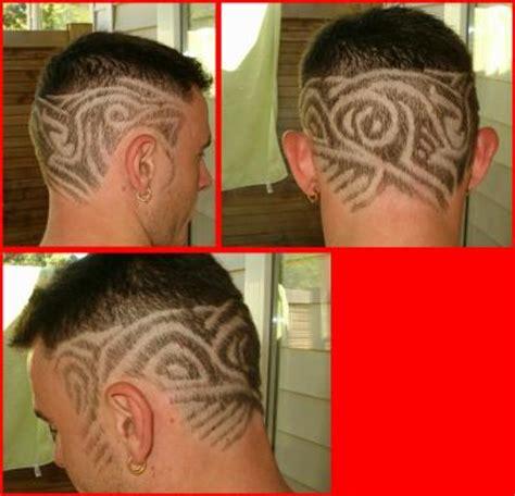 coupe de cheveux homme noir américain dégradé coupe de cheveux tribal leandra