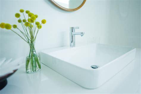 deboucher baignoire vinaigre blanc comment d 233 boucher un lavabo