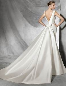 Mikado wedding dresses pronovias for Mikado wedding dress