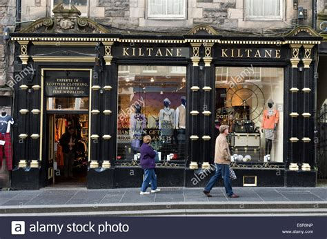 Kiltane Scottish Woollen And Gift Shop On The Royal Mile, Edinburgh Stock Photo, Royalty Free Gag Gifts Halifax Interesting For Mothers Day Gift Registry.com Bag Themes With Purchase Personalised Uk Experience 8 Year Old Boy Dad 50th Birthday