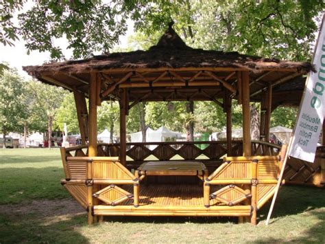 vente de maisons et de mobilier en bois exotique un